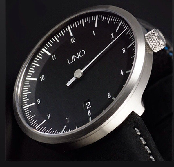 Uno Carbon watch