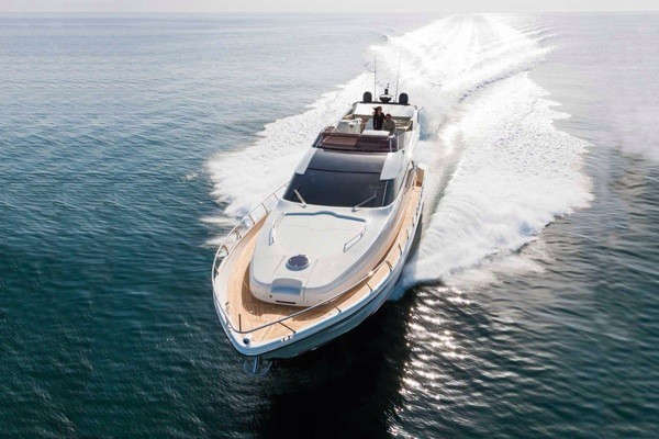 Dominator 640 luxury features