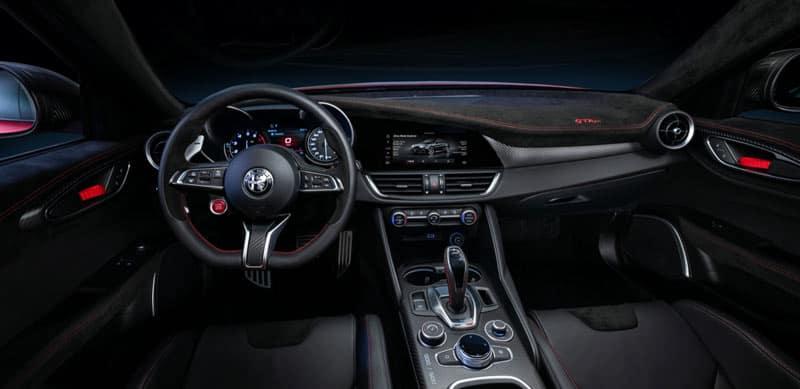 Alfa-Romeo-GTAm-dashboard