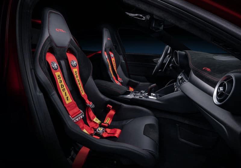 Alfa-Romeo-GTAm-interior