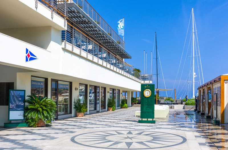 Best-yacht-clubs-in-the-world-sardinia