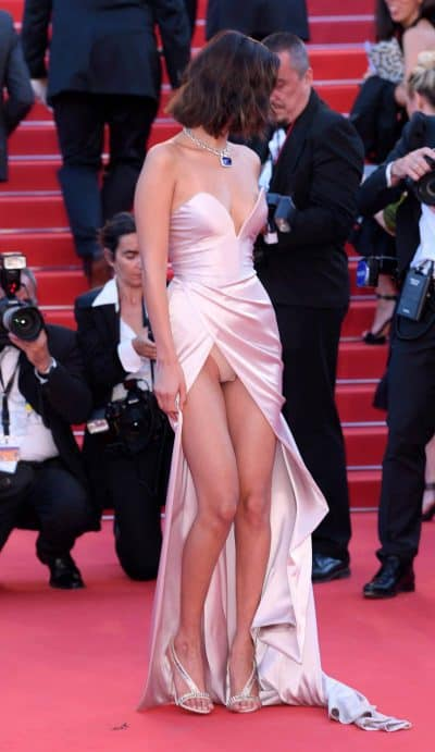 "Cannes Film festival, when stars ""reveal"" themselves."