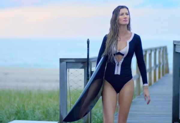 Gisele-Bundchen-chanel-5-surf
