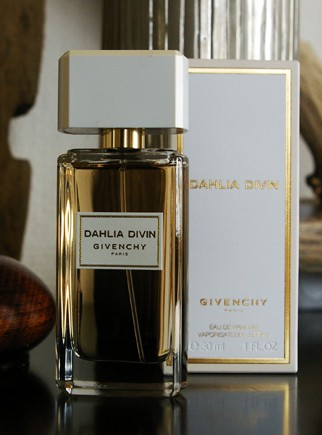 Givenchy Dahlia Divin, and let there be light.