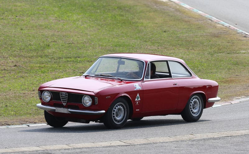 Alfa-Romeo-1965-Gran-Turismo-Giulia