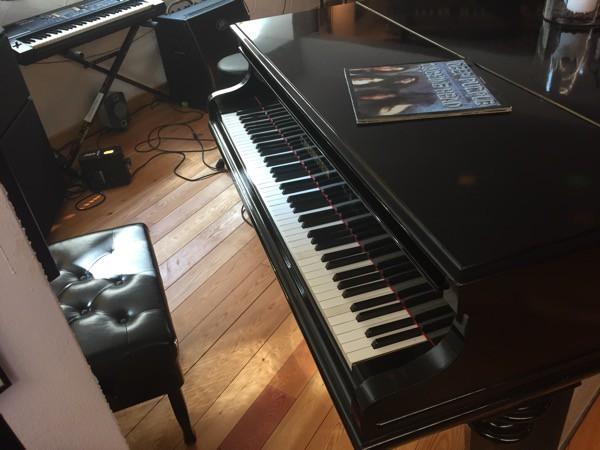 claude nobs piano