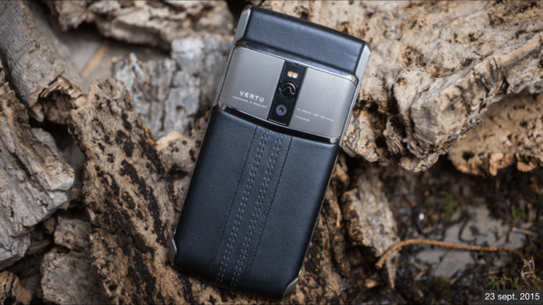 Vertu-new-signature-touch-mobile