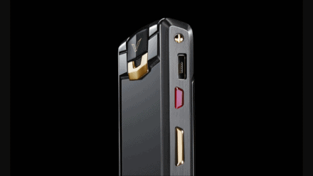Vertu New Signature Touch, the mobile phone for Hyper-luxury customers