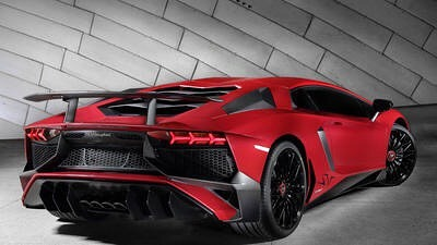 Lamborghini-Aventador-look-red
