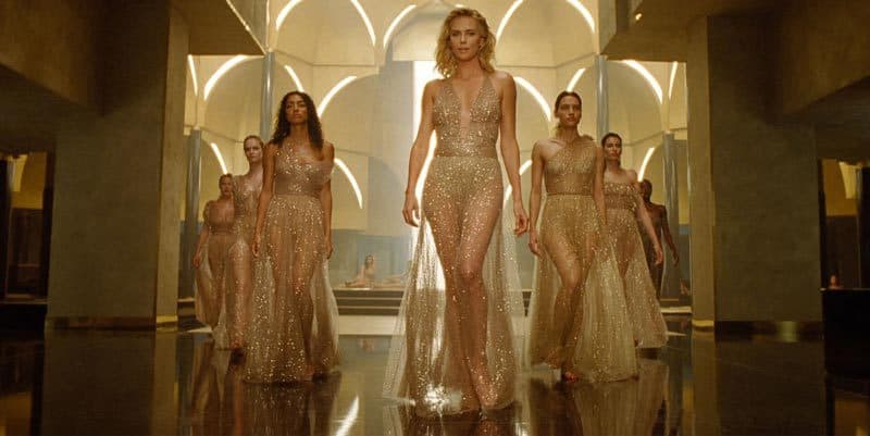 J-Adore-Absolu-Charlize-Theron-walk