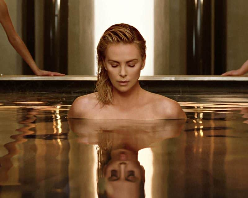 J-Adore-Absolu-Charlize-theron-bath