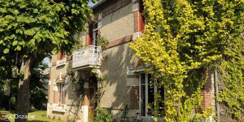 l-onzaine-france-guest-house