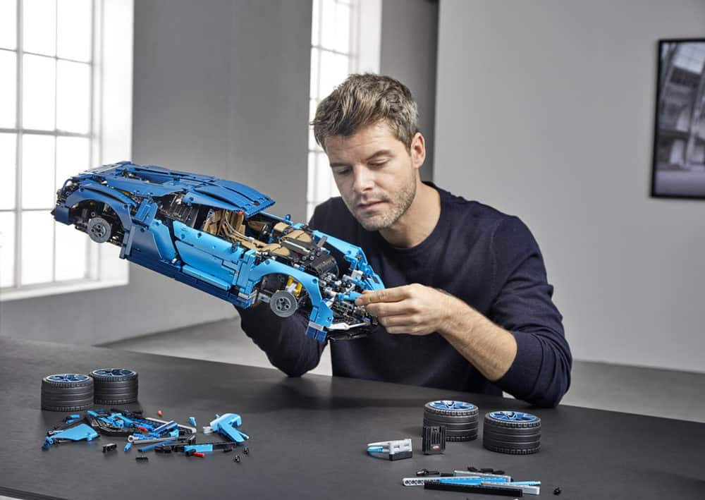 lego technic bugatti chiron the beast released. Black Bedroom Furniture Sets. Home Design Ideas