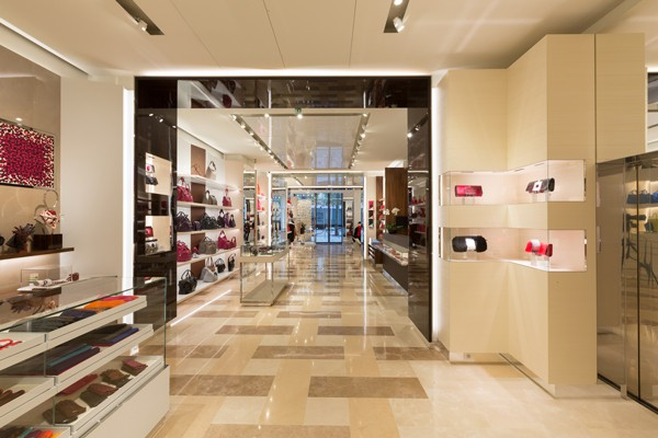 Longchamp-Elysees-ground-floor