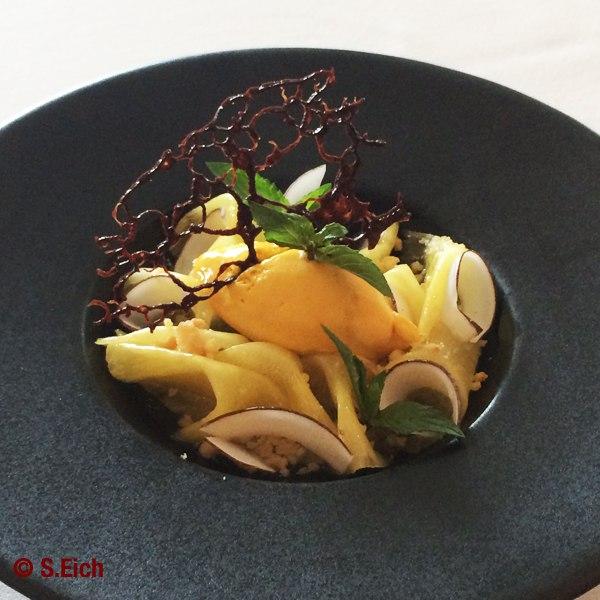 Peppermint-Pineapple-carpaccio