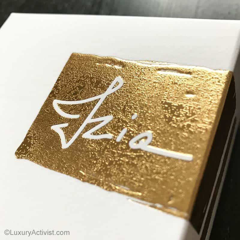 Sisley-IZIA-fragrance-etui