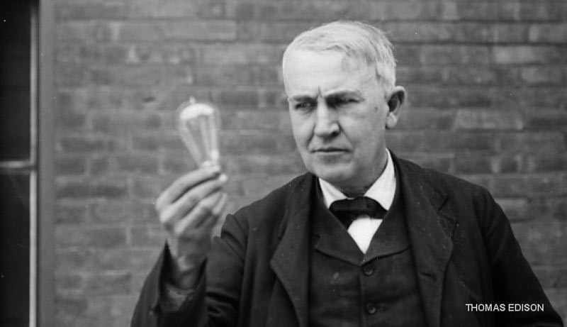 Thomas-Edison-with-Light-Bulb
