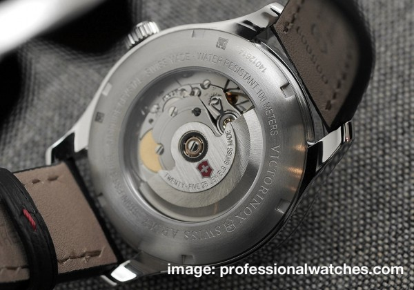 Victorinox-Alliance-Automatic-caseback