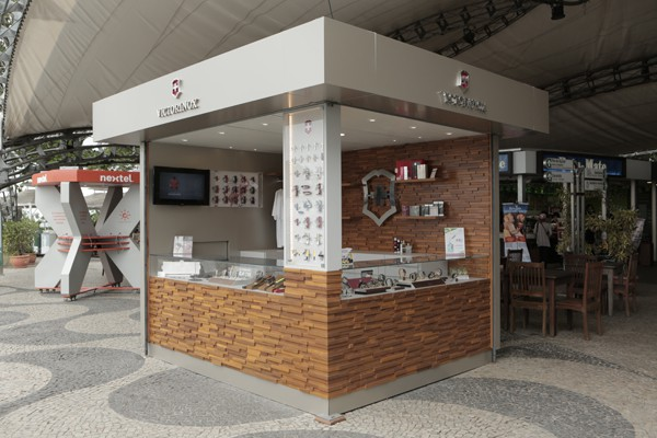 Victorinox Opens Pop Up Store In A Mountain In Rio De