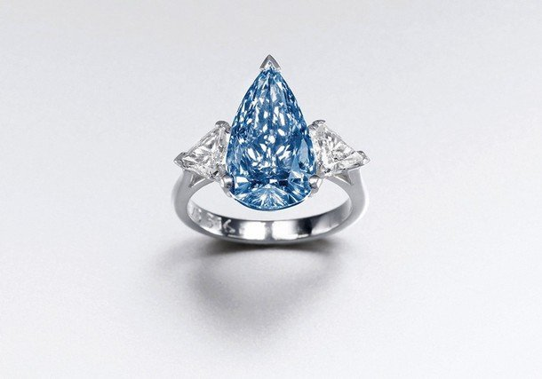 A rare 6.4 million $ Blue Diamond sold in Hong Kong
