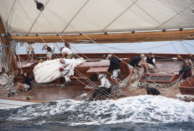 Step aboard S/Y ELENA for the Cannes Regatta 2017