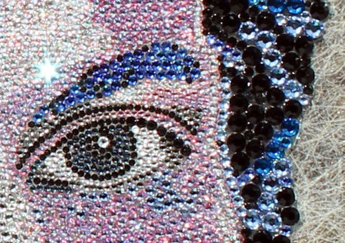 swarovski_queen close up by claire Milner