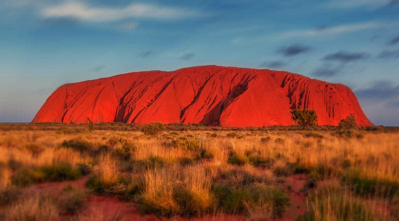 Uluru-red-mountain-australia